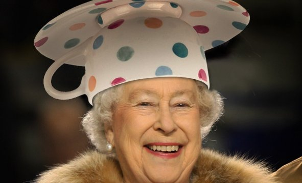 queen-in-teacup-hat